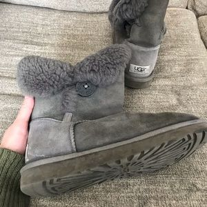 Genuine classic bailey ugg boots